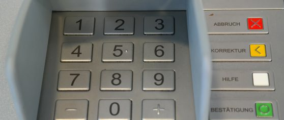 Corona mal positiv – der Geldautomat